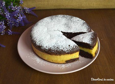 Torta versata al cacao con crema pan di stelle