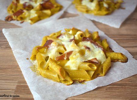 Pizzette di pasta con prosciutto
