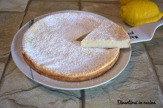 Torta di ricotta cremosa al limone