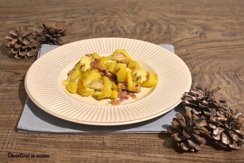 Petto di pollo con patate speck e scamorza