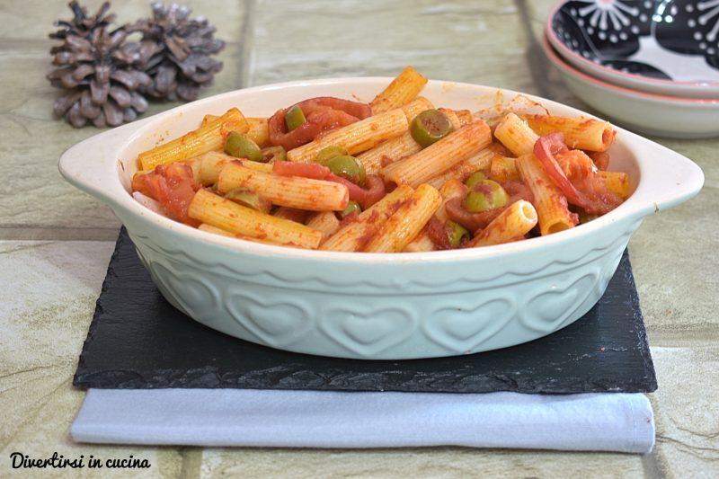Pasta al forno in salsa di olive