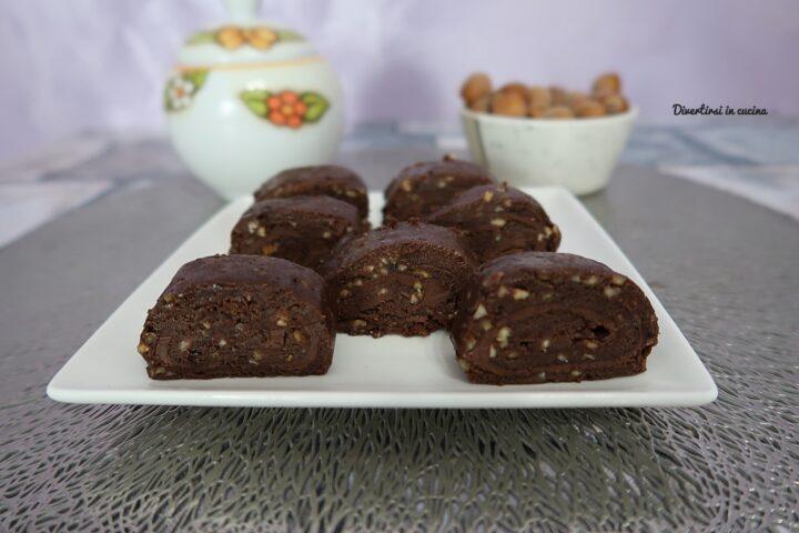 Girelle al cioccolato con Nutella e nocciole