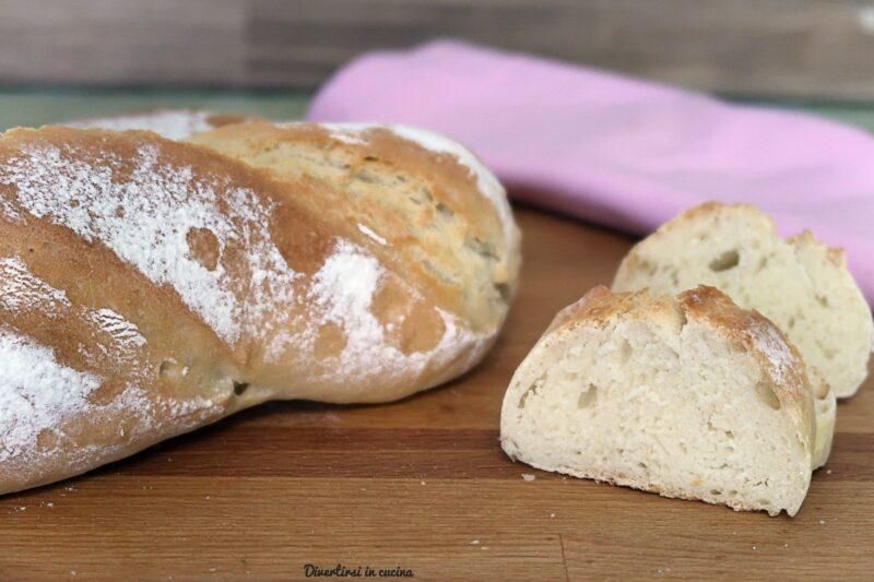 Pane fatto in casa tipo baguette