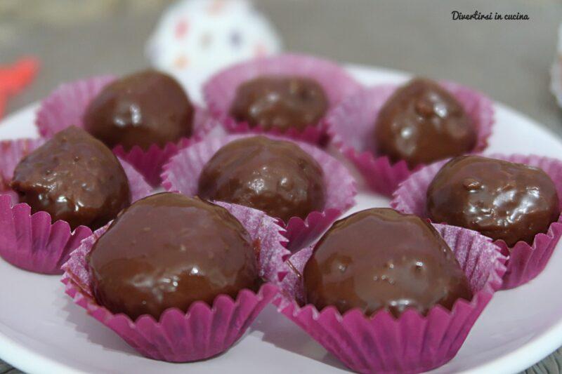 Cioccolatini fatti in casa con due ingredienti