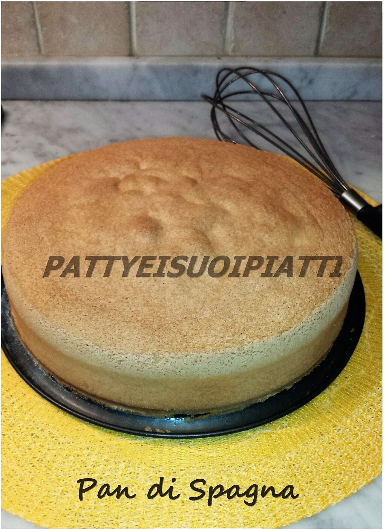 Pan di spagna ricetta sofficissima e alta per farciture - Glassa a specchio su pan di spagna ...