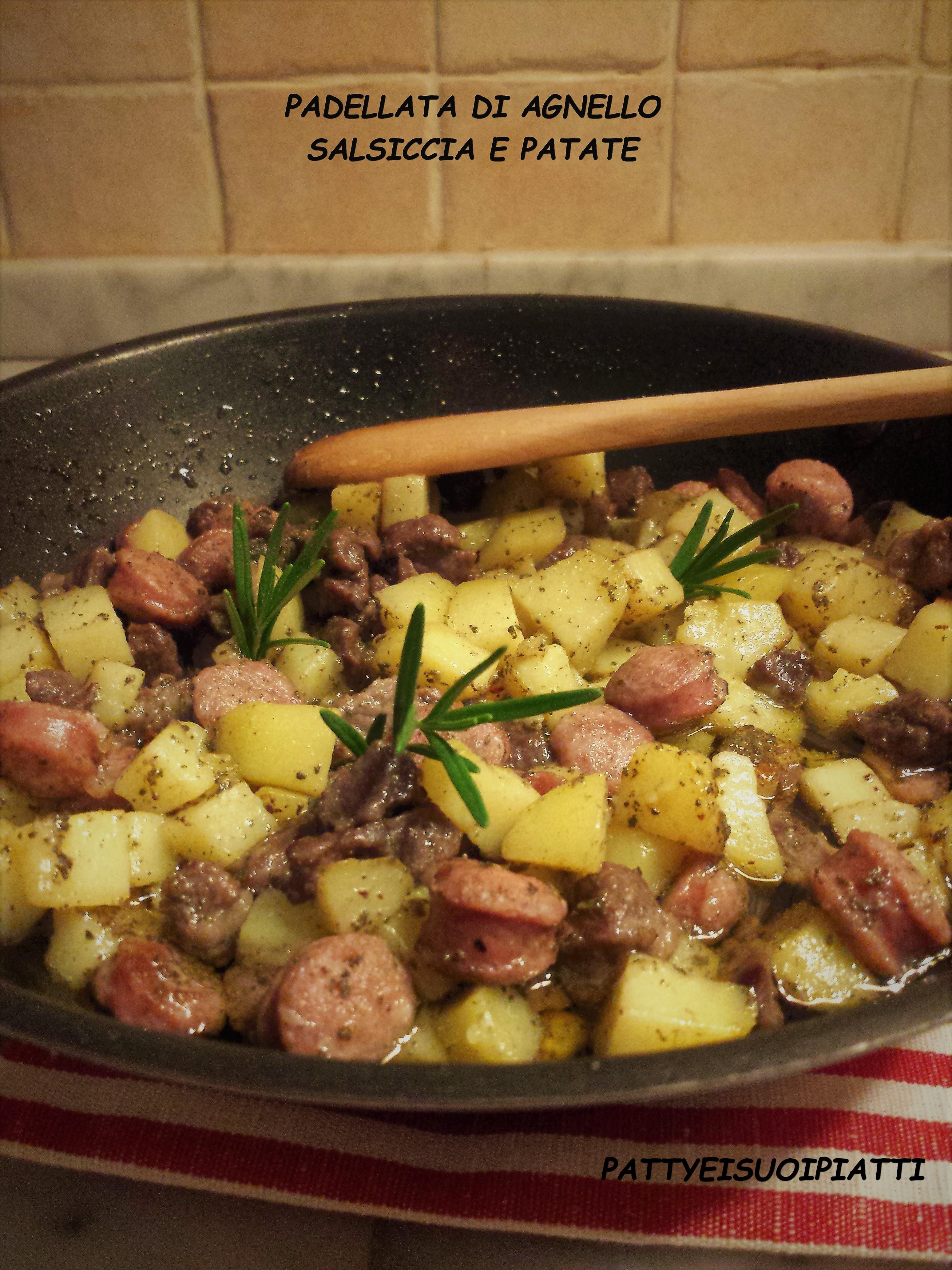 Padellata di agnello, salsiccia e patate