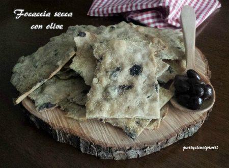Focaccia secca con olive