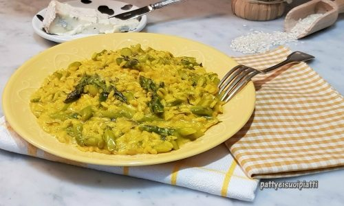 Risotto allo zafferano con asparagi e gorgonzola