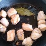 4) lasciate dorare per bene il pollo e poi sfumate al marsala