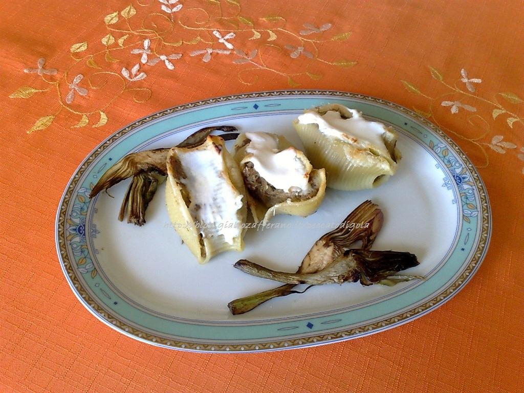 9) i conchiglioni ripieni di salsicce e carciofi pronti