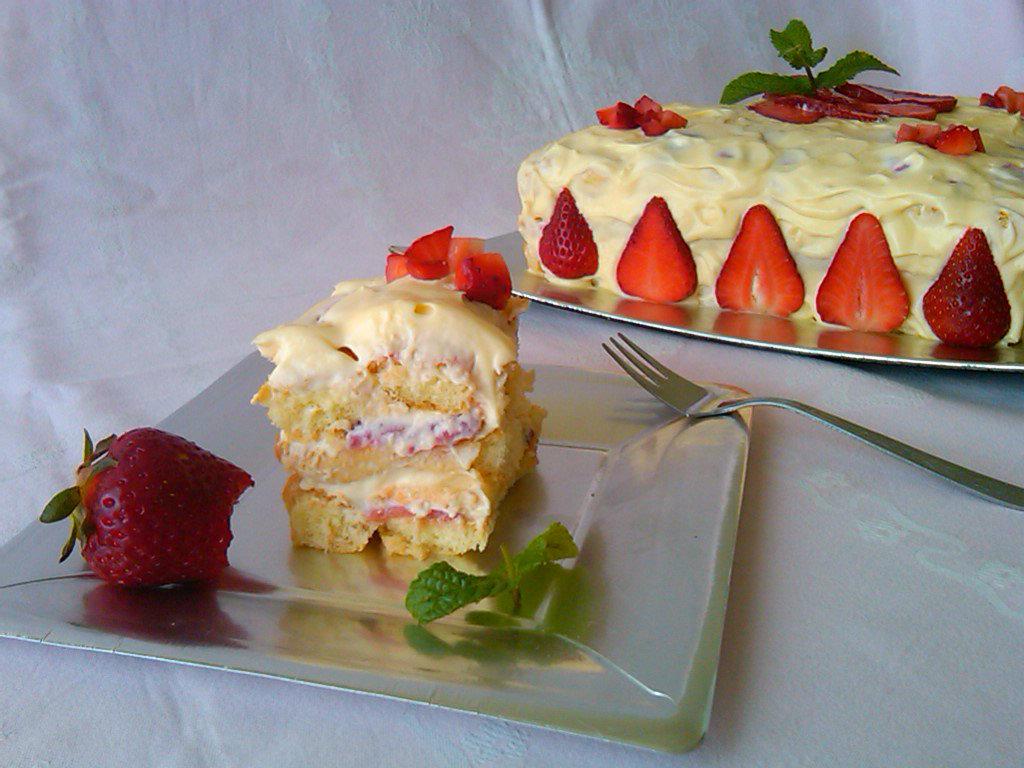 8) il tiramisù alle fragole pronto