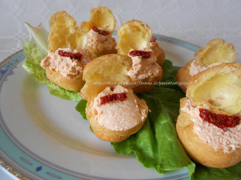 3) i bignè salati al pomodoro pronti