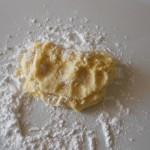 4) lavorate con lo zucchero a velo