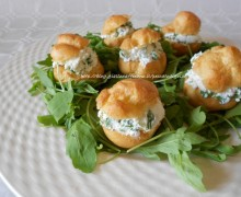 Bignè salati rucola e ricotta