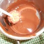 4) immergete nel cioccolato fuso