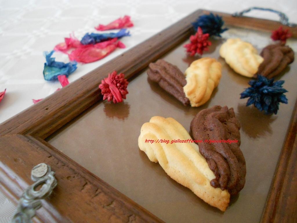 3) i biscotti a forma di cuore pronti