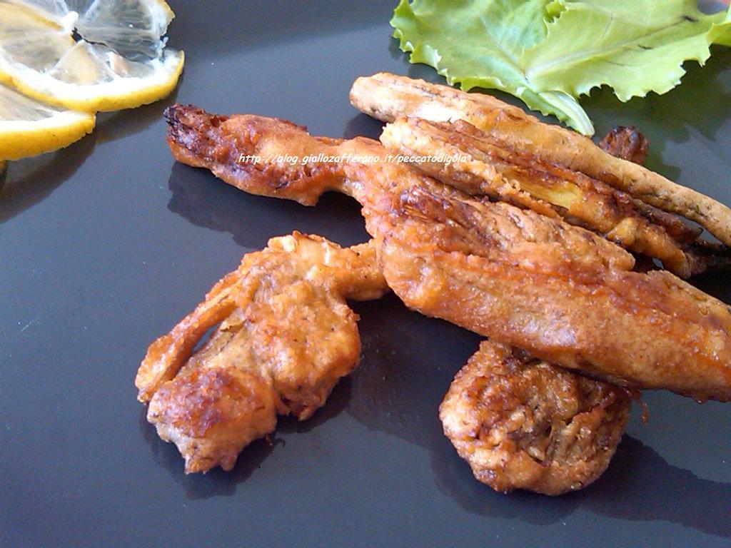3) i carciofi dorati e fritti pronti