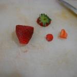 2) tagliate le fragole