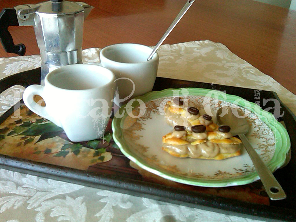 3) gli éclair: pasticcini al caffè pronti