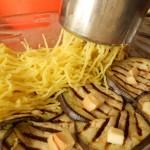 3) schiacciate le patate