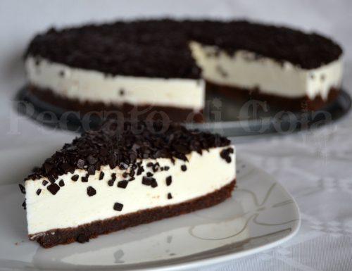 Torta fredda allo yogurt ricoperta