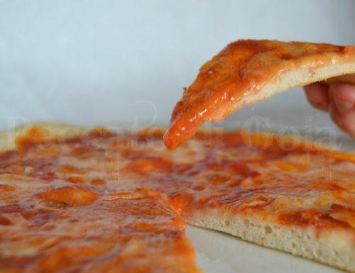 Pasta di pizza napoletana a lunga lievitazione