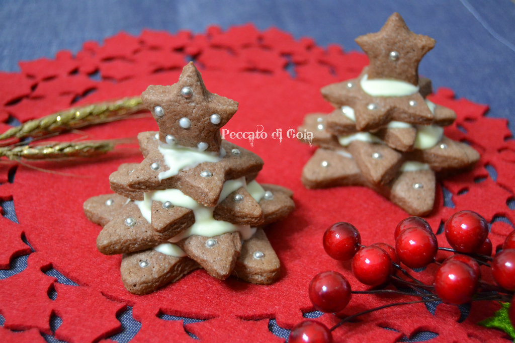 Albero Di Natale Con Biscotti A Stella.Albero Di Biscotti Di Natale