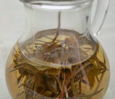 Aceto alle erbe aromatiche