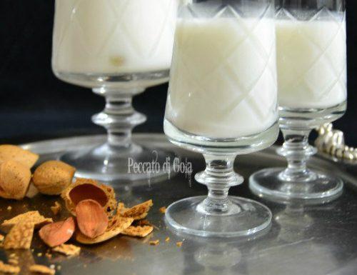 Latte di mandorla, ricetta e consigli