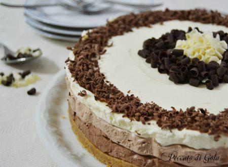 Cheesecake ai 3 cioccolati, dolce al cioccolato