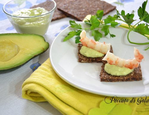 Salsa all'avocado per aperitivi e antipasti