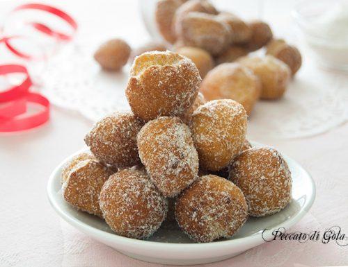 Castagnole al cocco, dolci di carnevale