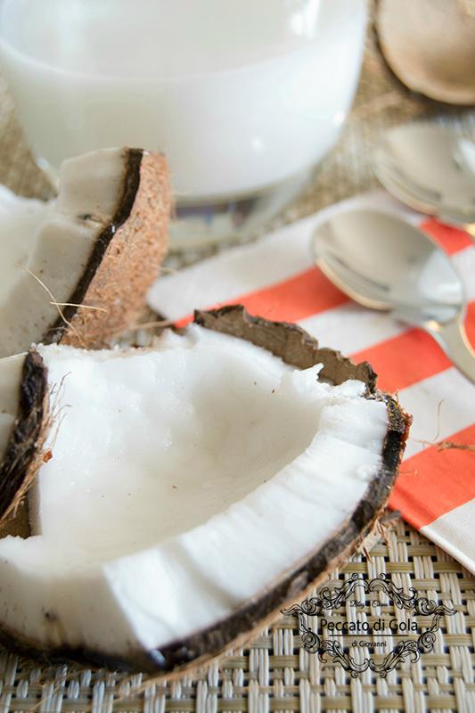 ricetta del latte di cocco fatto in casa, peccato di gola