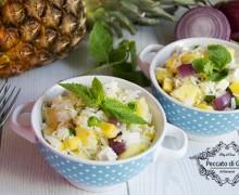 Insalata di riso, mango e ananas