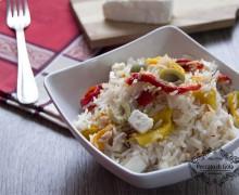 Insalata di riso, peperoni e tonno