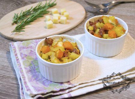 Piccoli timballi di zucca, patate e salsicce