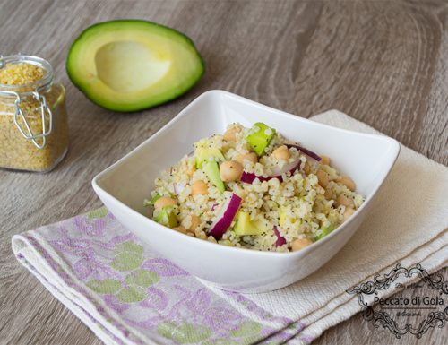 Bulgur all'insalata di ceci e avocado