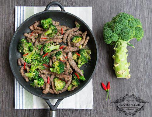 Straccetti di manzo coi broccoli