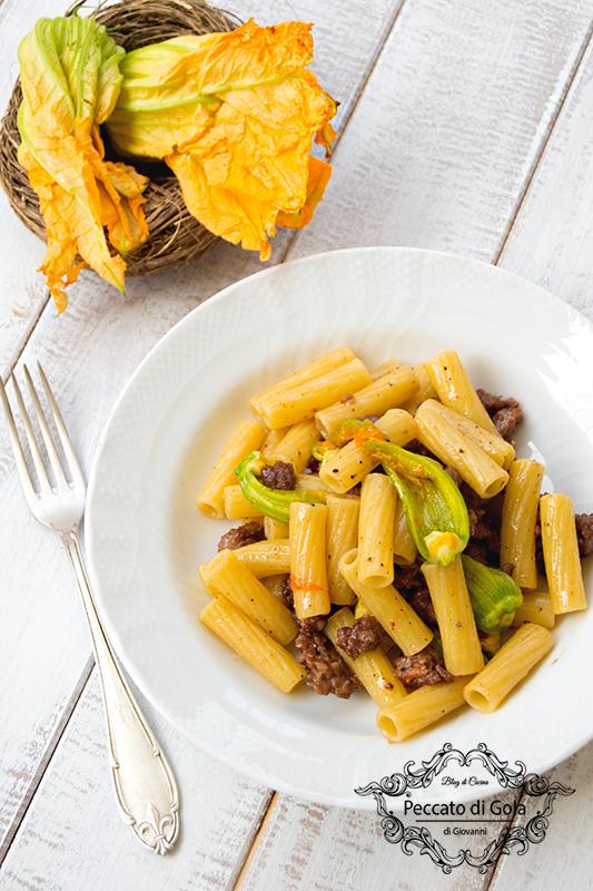 ricetta pasta con fiori di zucca e salsiccia, peccato di gola di giovanni 2