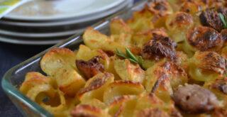 ricetta pasta patate e salsicce al forno, peccato di gola