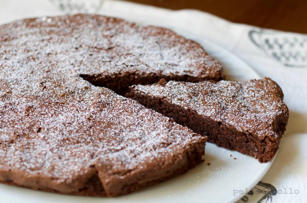 Torta tenerina al cioccolato pelle di pollo - Bagno di cioccolato ...