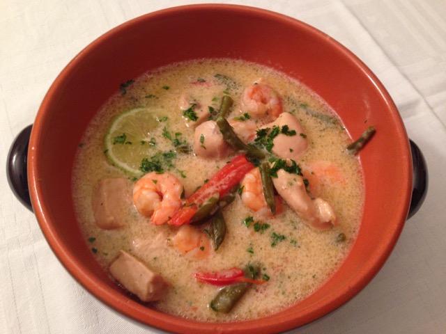 Ricetta Zuppa Thai Con Gamberi.Zuppa Thai Con Pollo E Gamberi Pelle Di Pollo