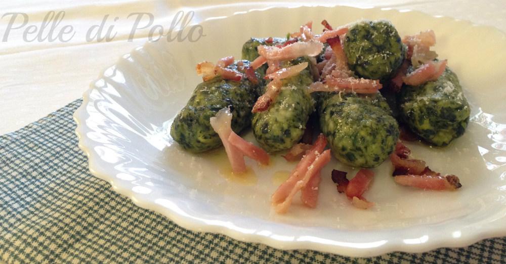 Gnocchi di ricotta e spinaci con speck croccante