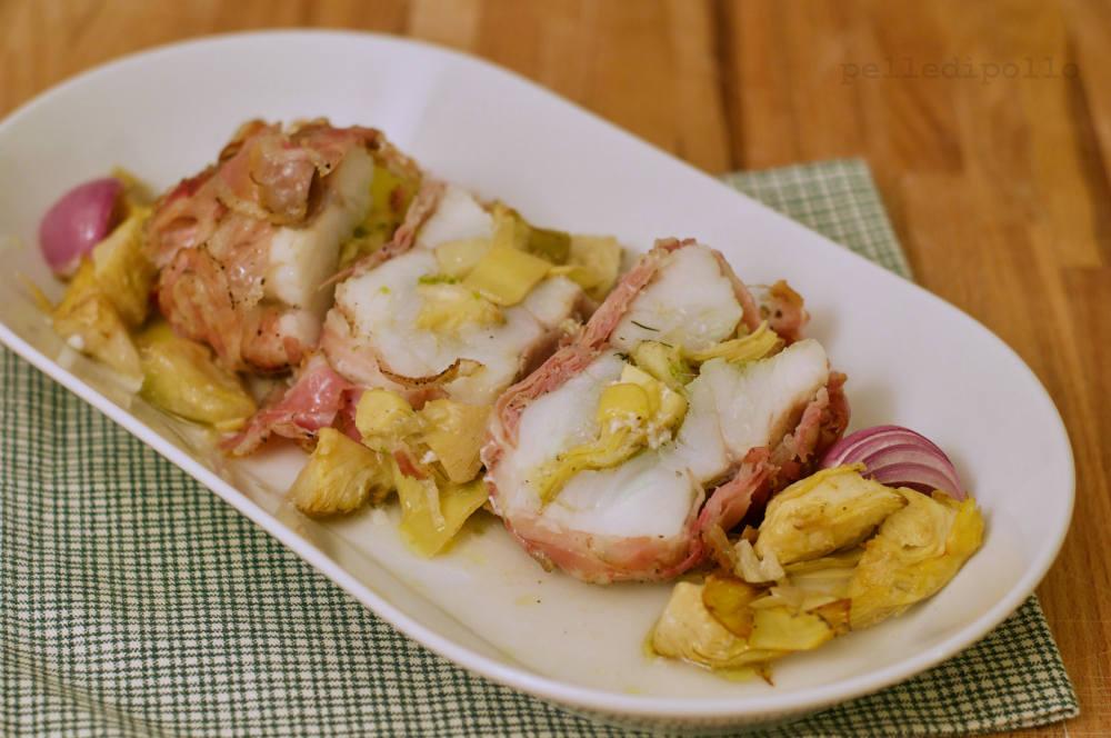 Coda di rospo in porchetta con carciofini