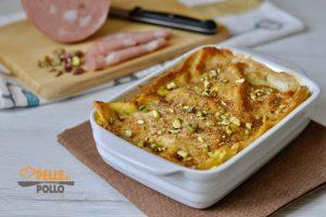 Lasagne con mortadella e pistacchi