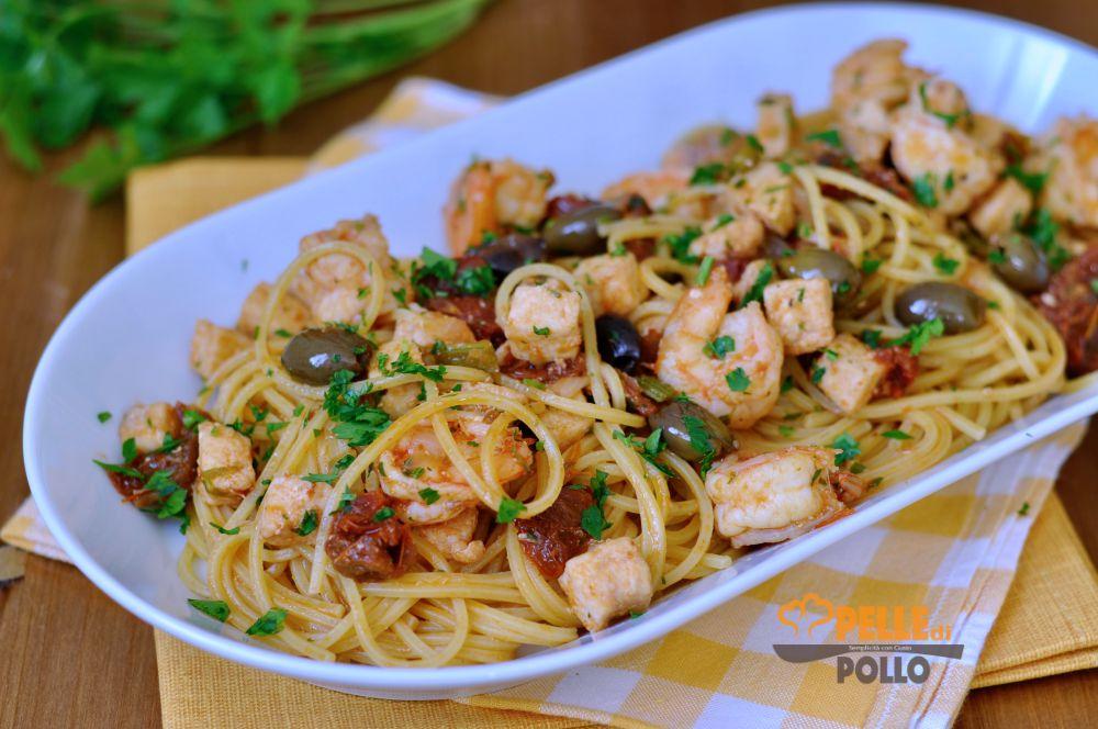 spaghetti alla chitarra con gamberi e pesce