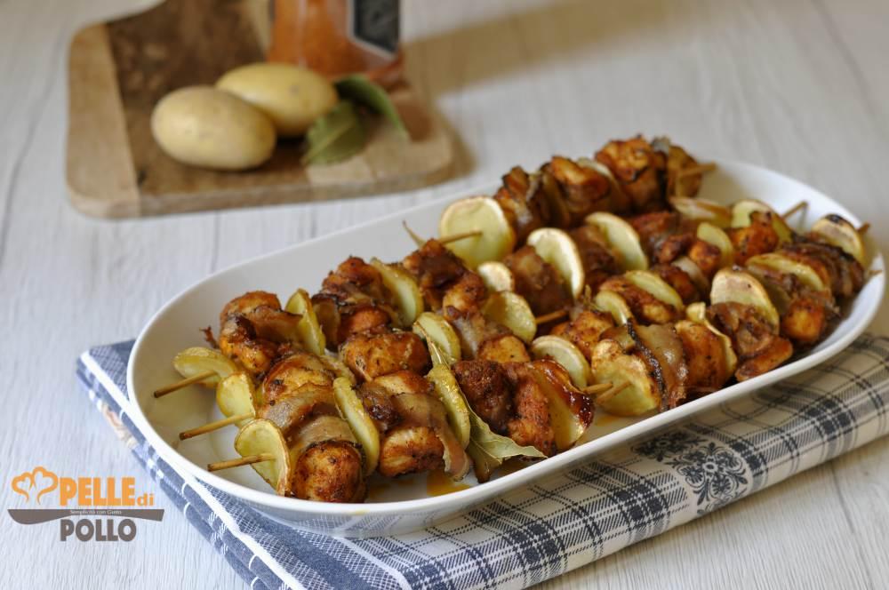 spiedini di pollo con patate e pancetta