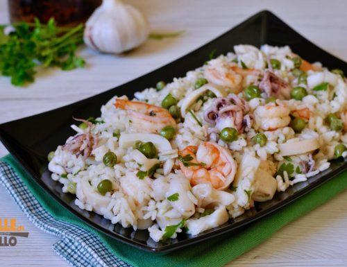 Insalata di riso con gamberi calamari e seppie