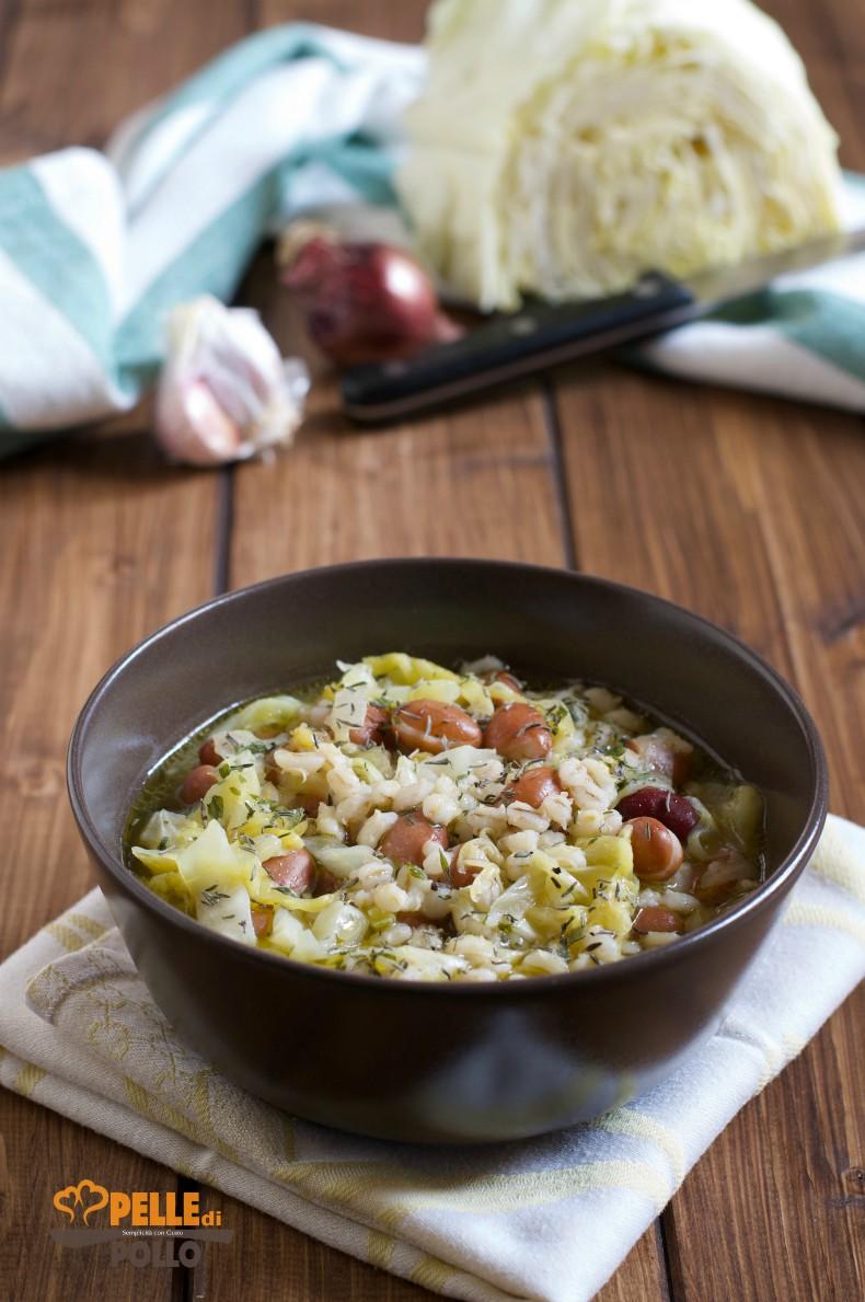 zuppa di orzo e fagioli con verza