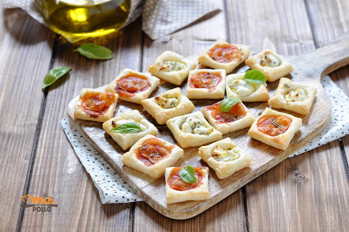 mini pizzette di pasta sfoglia veloci